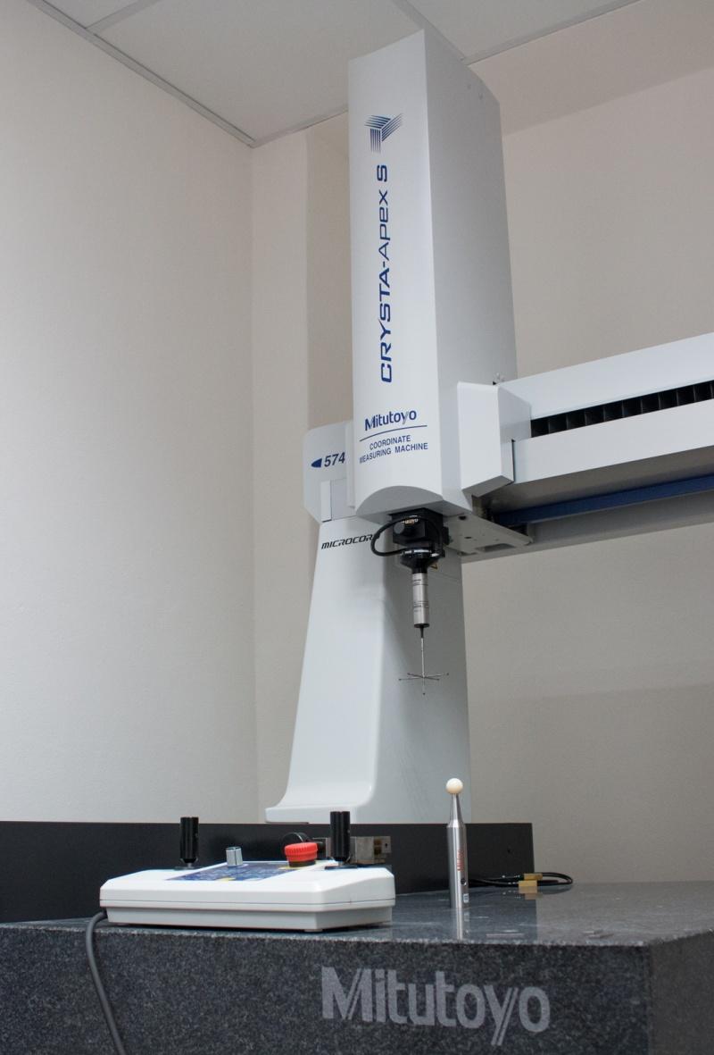 3D coordinate CNC CMM measuring machine MITUTOYO CRYSTA-APEX S